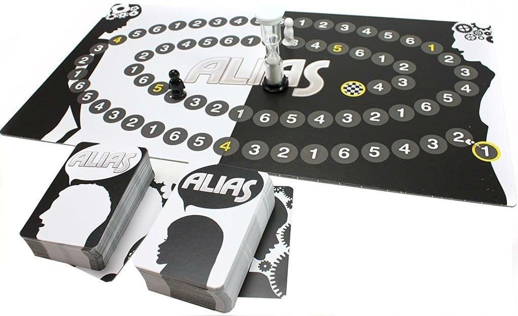 игровое поле с карточками игры алиас
