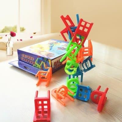 Развивает полезные навыки у детей и закрепляет их у взрослых.