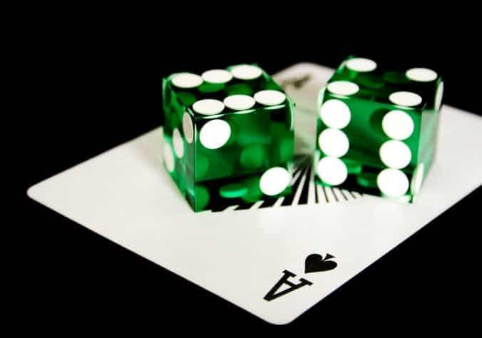 Покер на костях - интересная разновидность покера