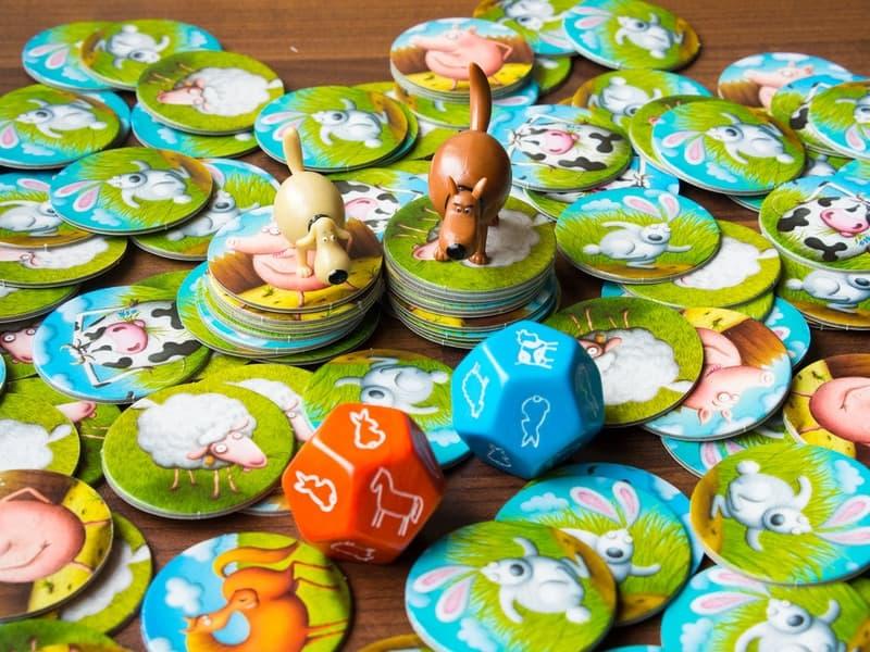 Настольная игра bondibon «Суперфермер люкс» обязательно понравится вашим детям