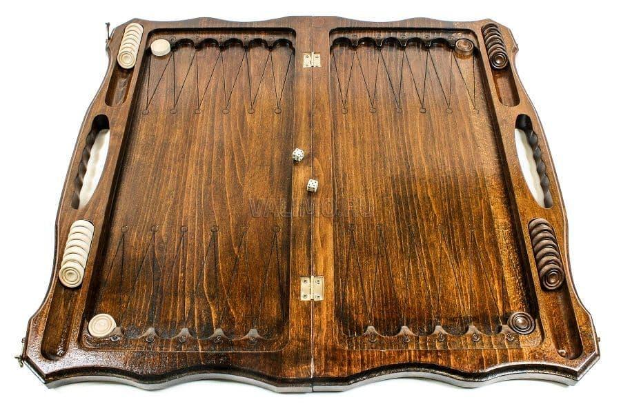 Настольная игра нарды считается интеллектуальным развлечением.