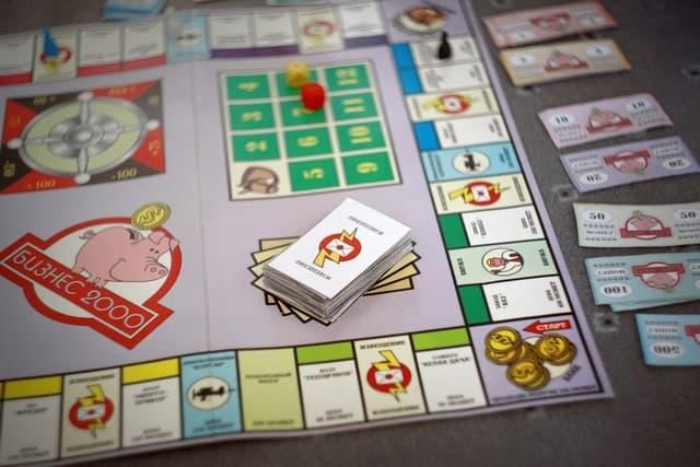 игровое поле игры бизнесмен