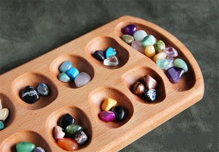 игровые камни в ячейках